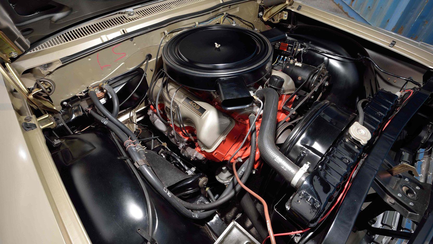 1962 Chevrolet Impala engine