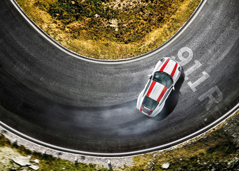 2017 Porsche 911 R side door