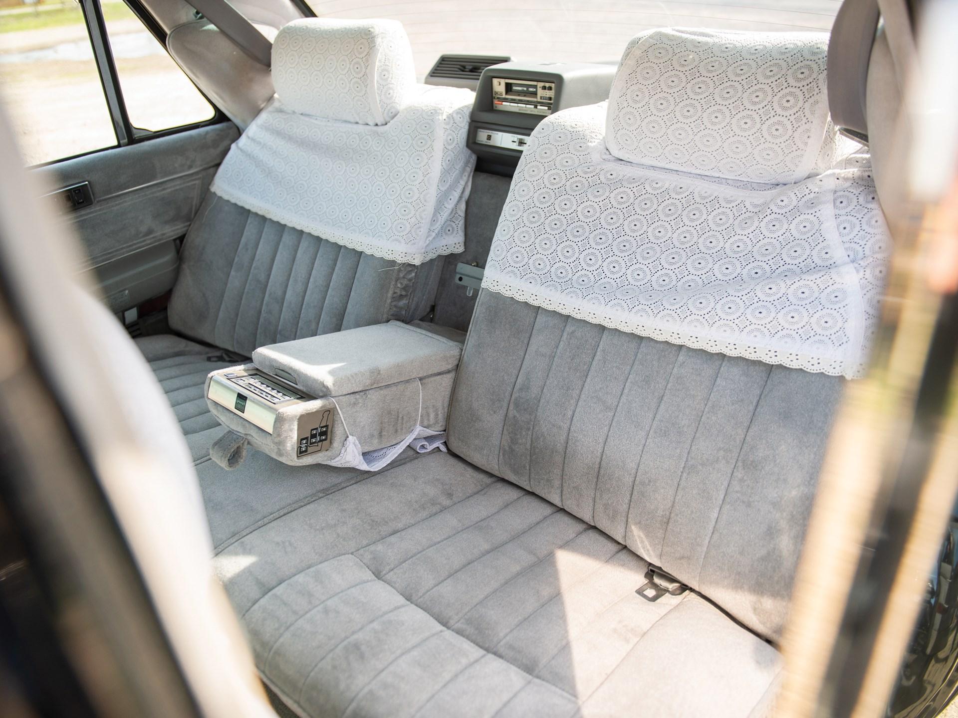 1987 Nissan President Sovereign V8E VIP rear seat covers