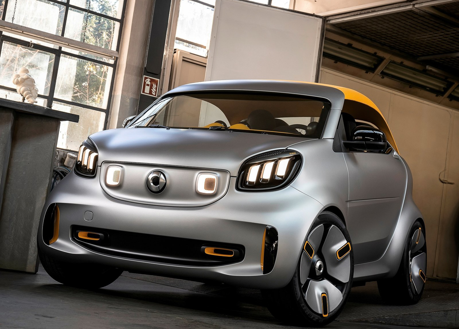 Smart survives, amidst new Daimler-Geely partnership thumbnail