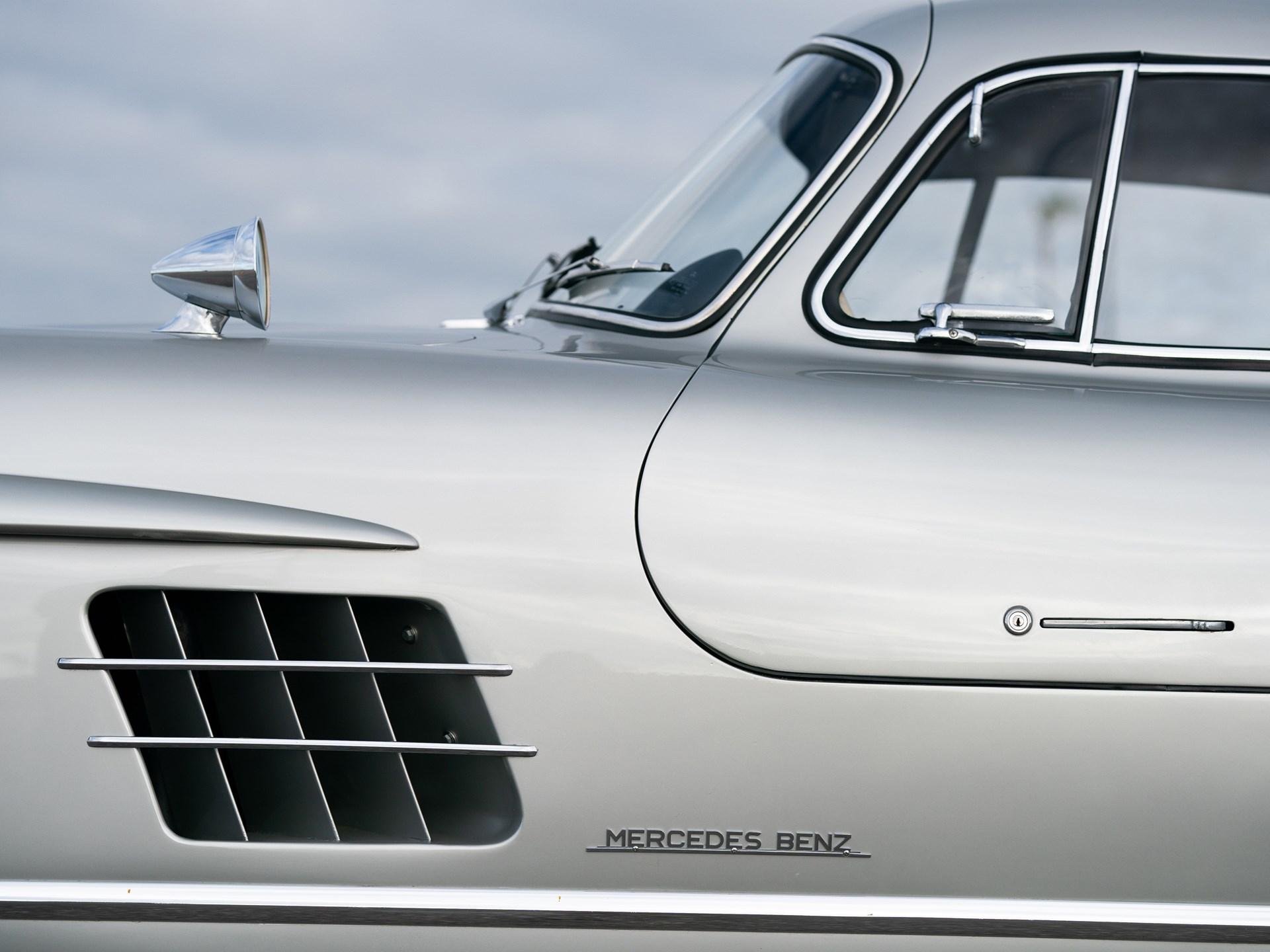 1955 Mercedes-Benz 300 SL Gullwing side vent detail
