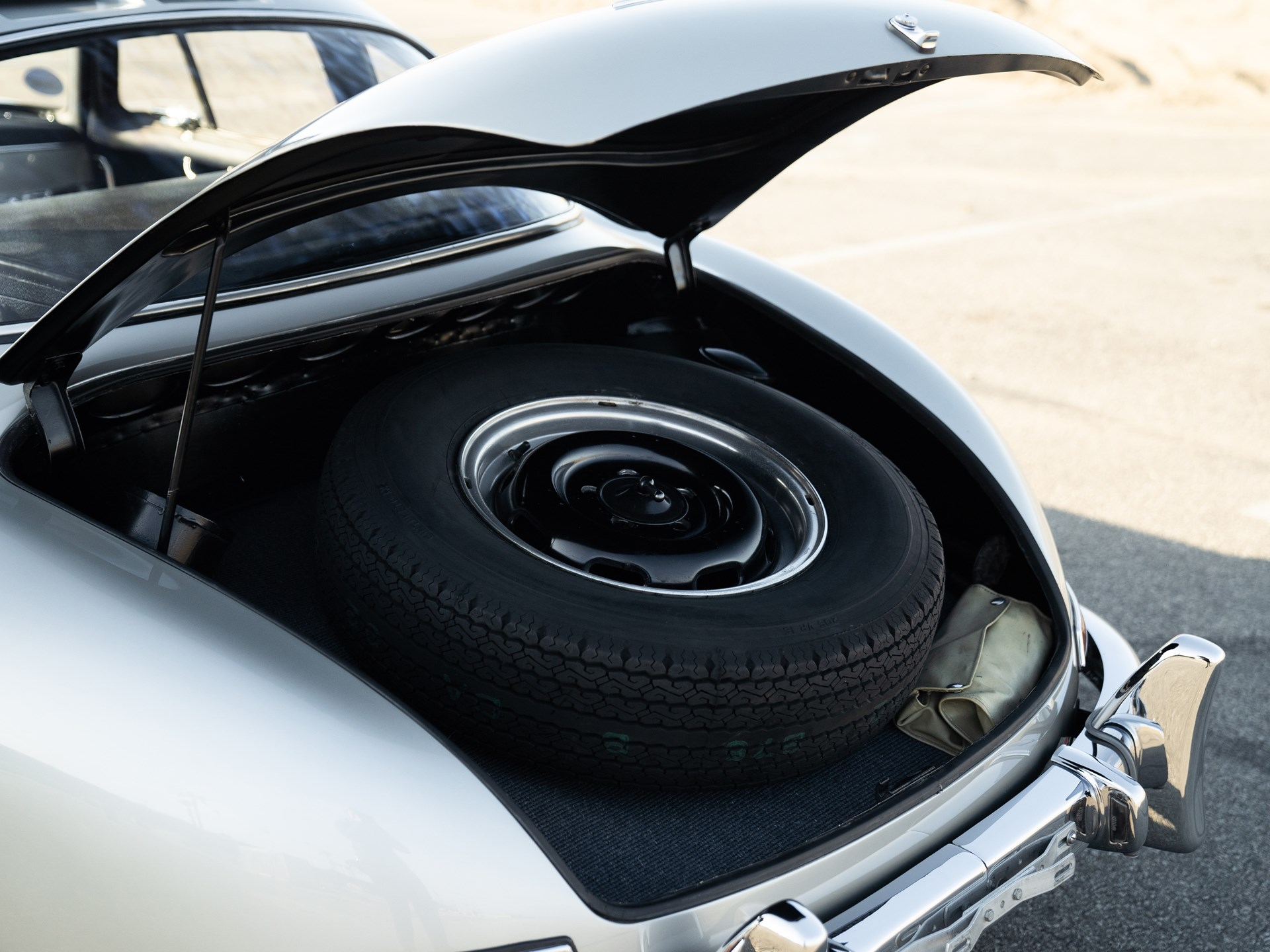 1955 Mercedes-Benz 300 SL Gullwing trunk