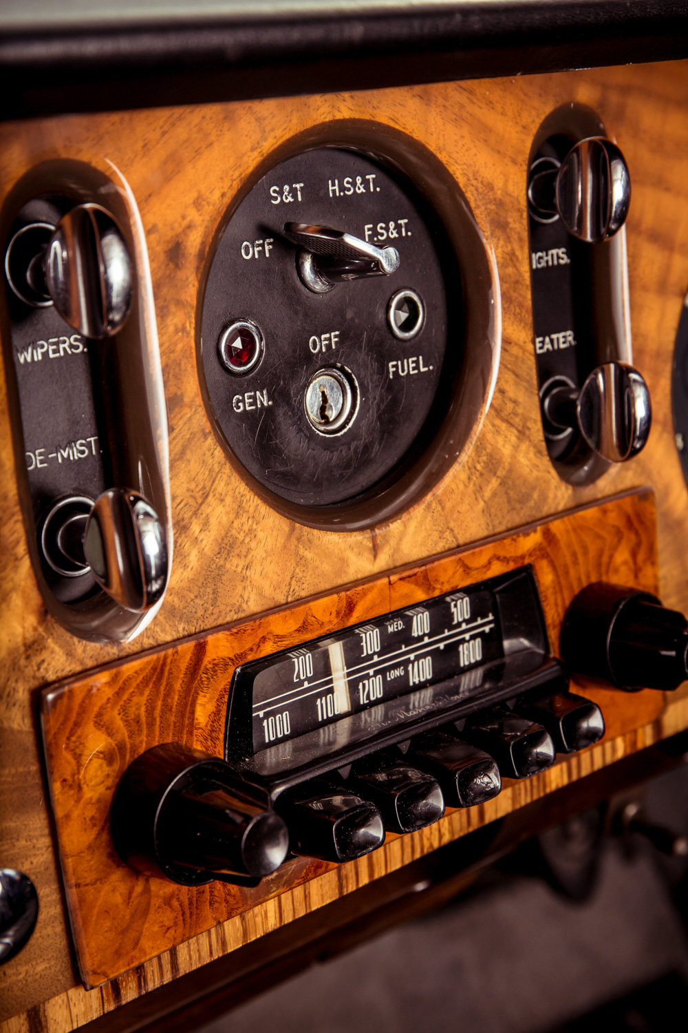 1959 Bentley S2 Continental Flying Spur gauges switches