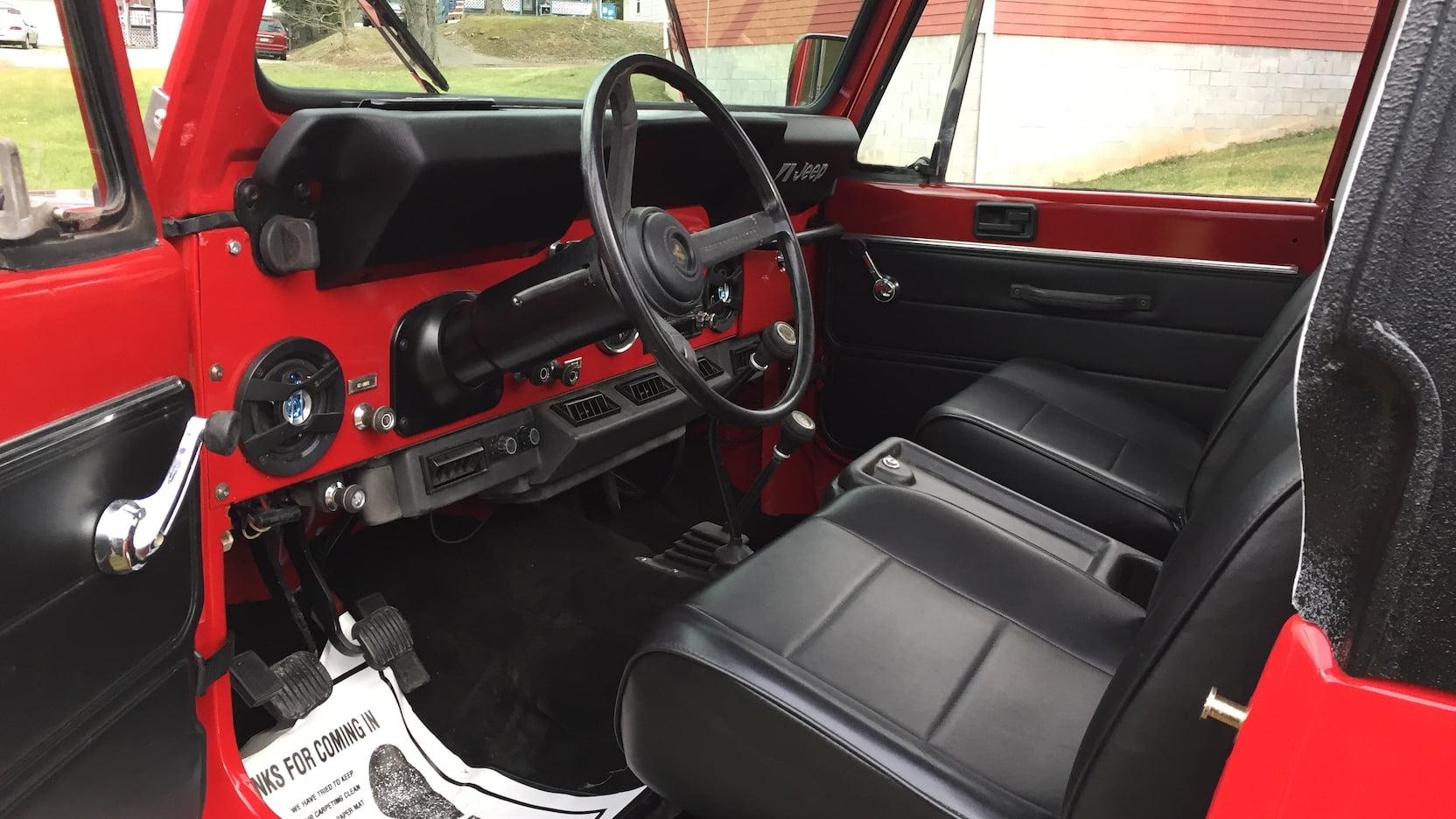 1984 Jeep Scrambler interior