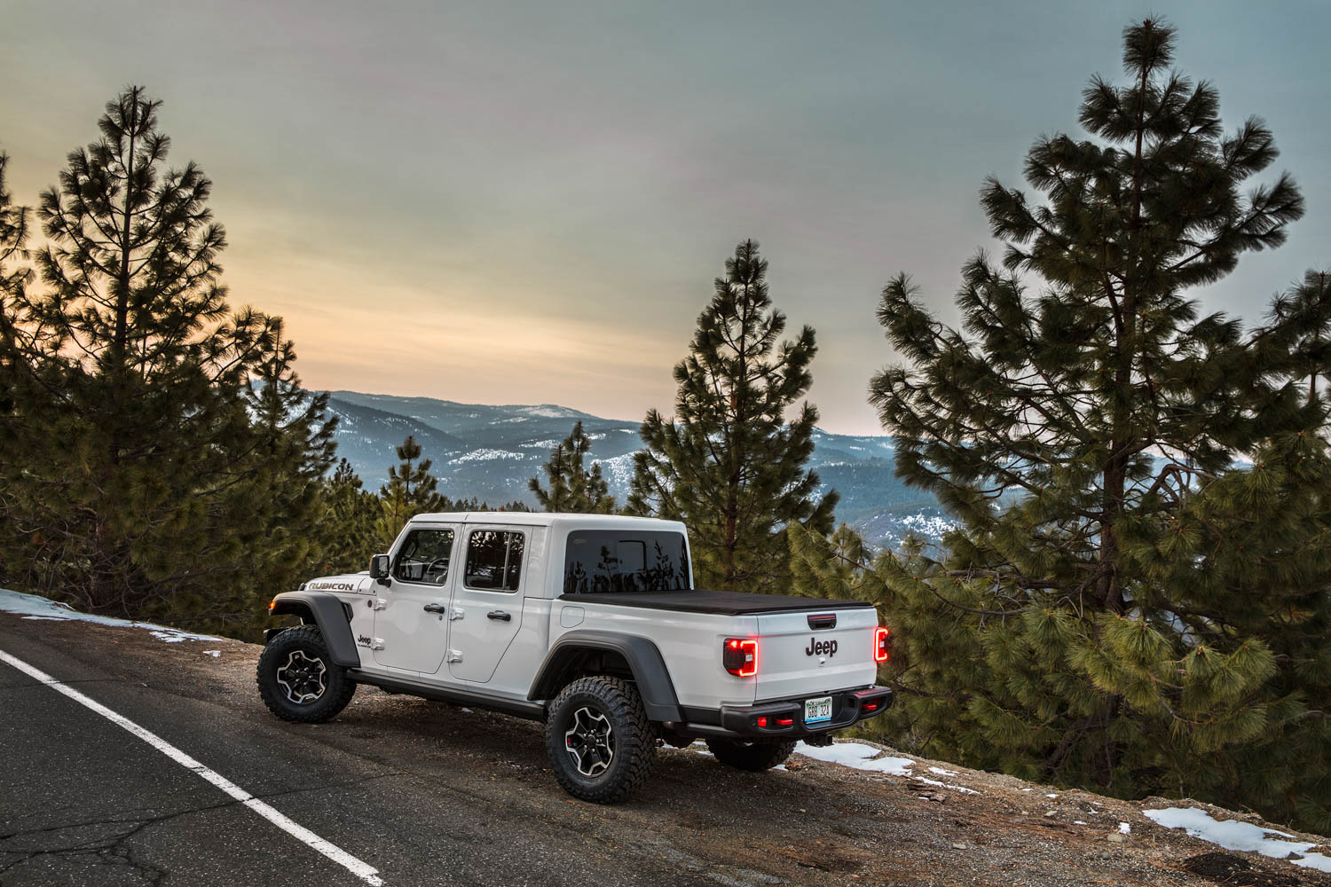 white 2020 Jeep Gladiator