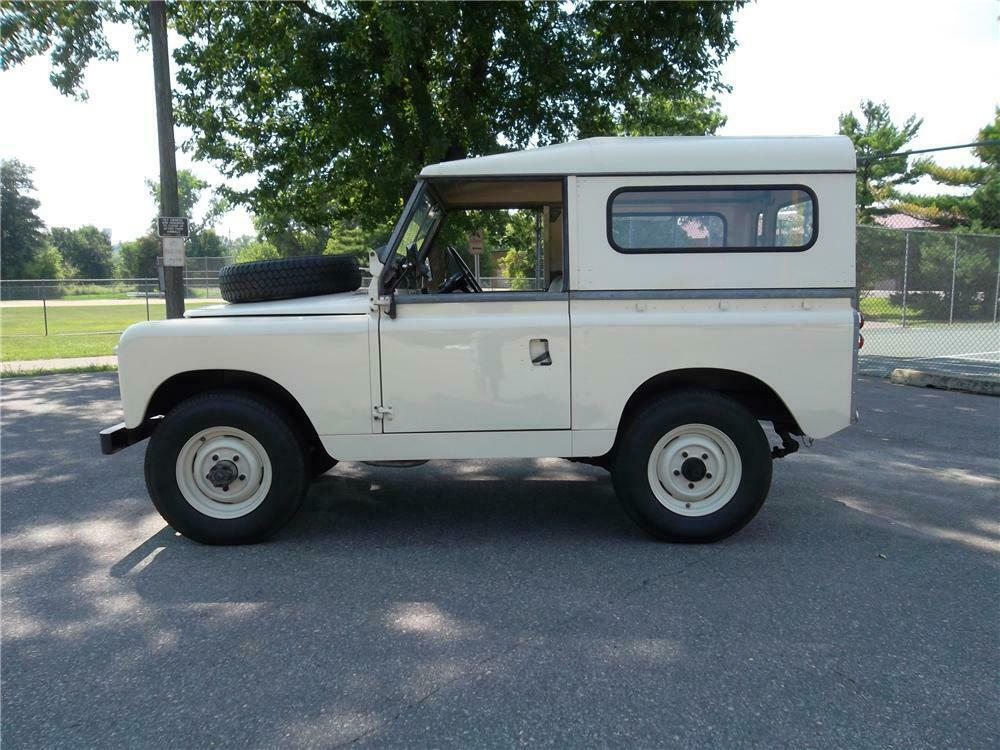 1965 Land Rover Series IIA side
