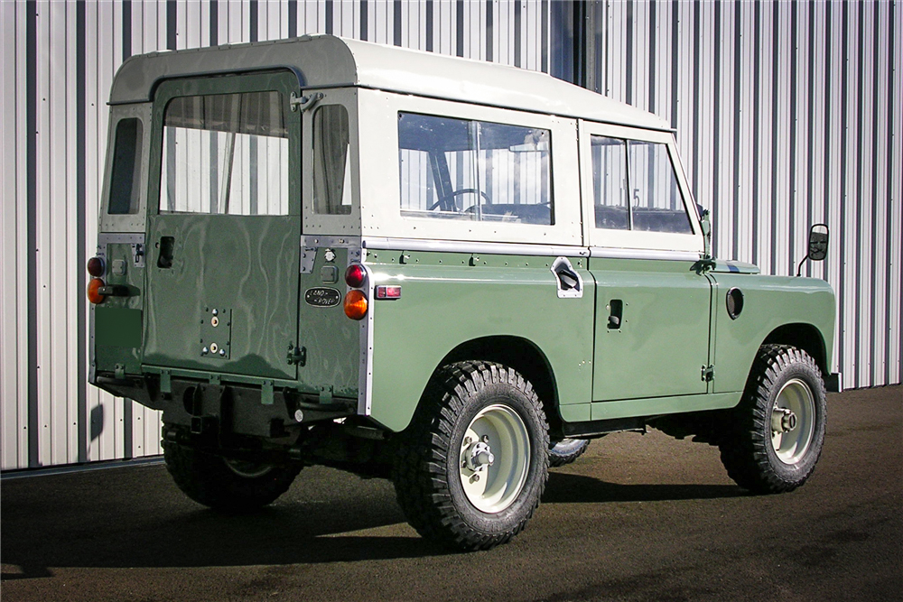 1971 Land Rover Series IIA 3/4 rear