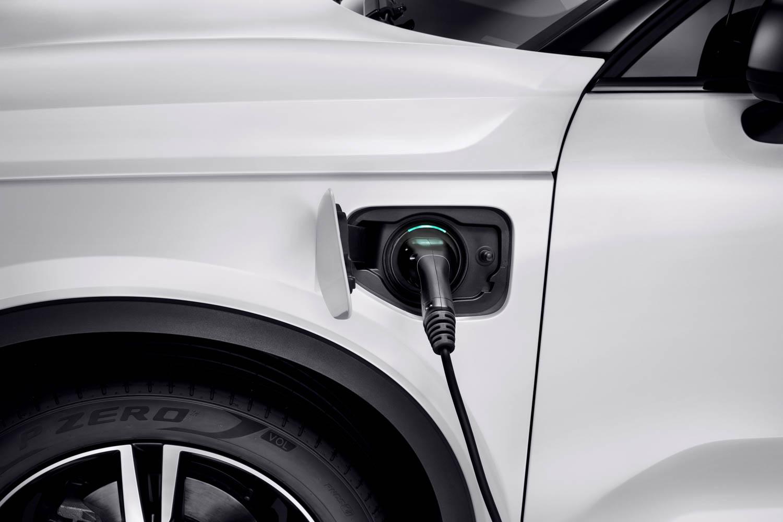 Volvo XC40 T5 plug-in hybrid plug
