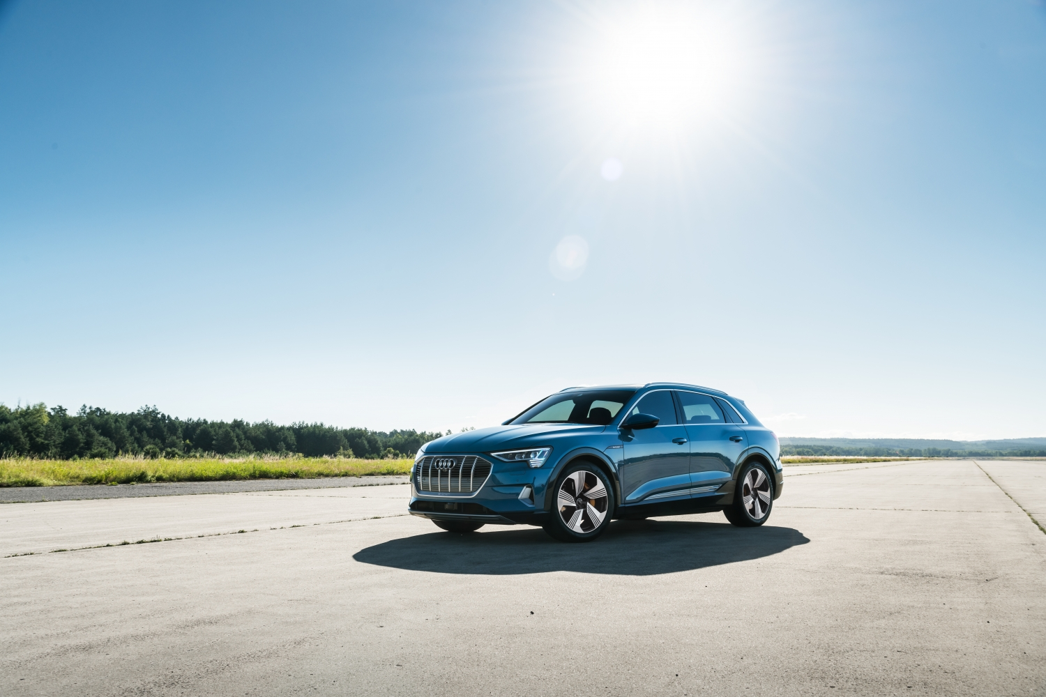 The all-electric Audi e-tron SUV will get just 204 miles of range thumbnail