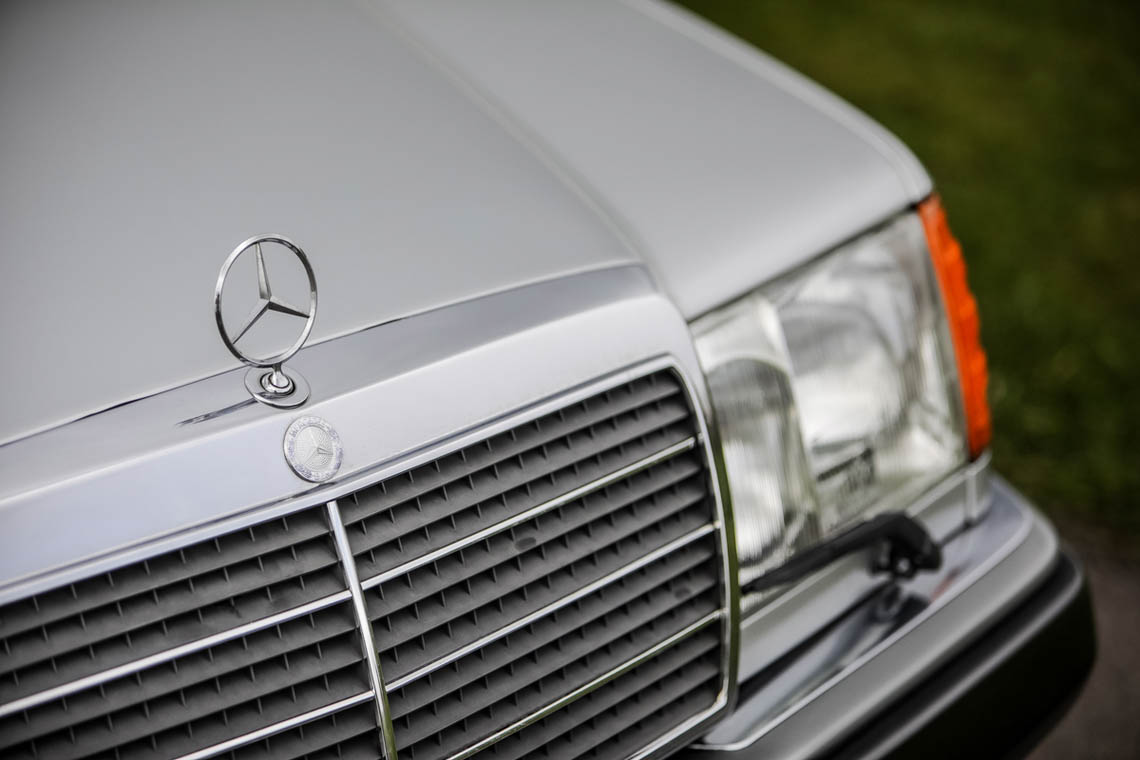 1991 Mercedes-Benz 500 E nose