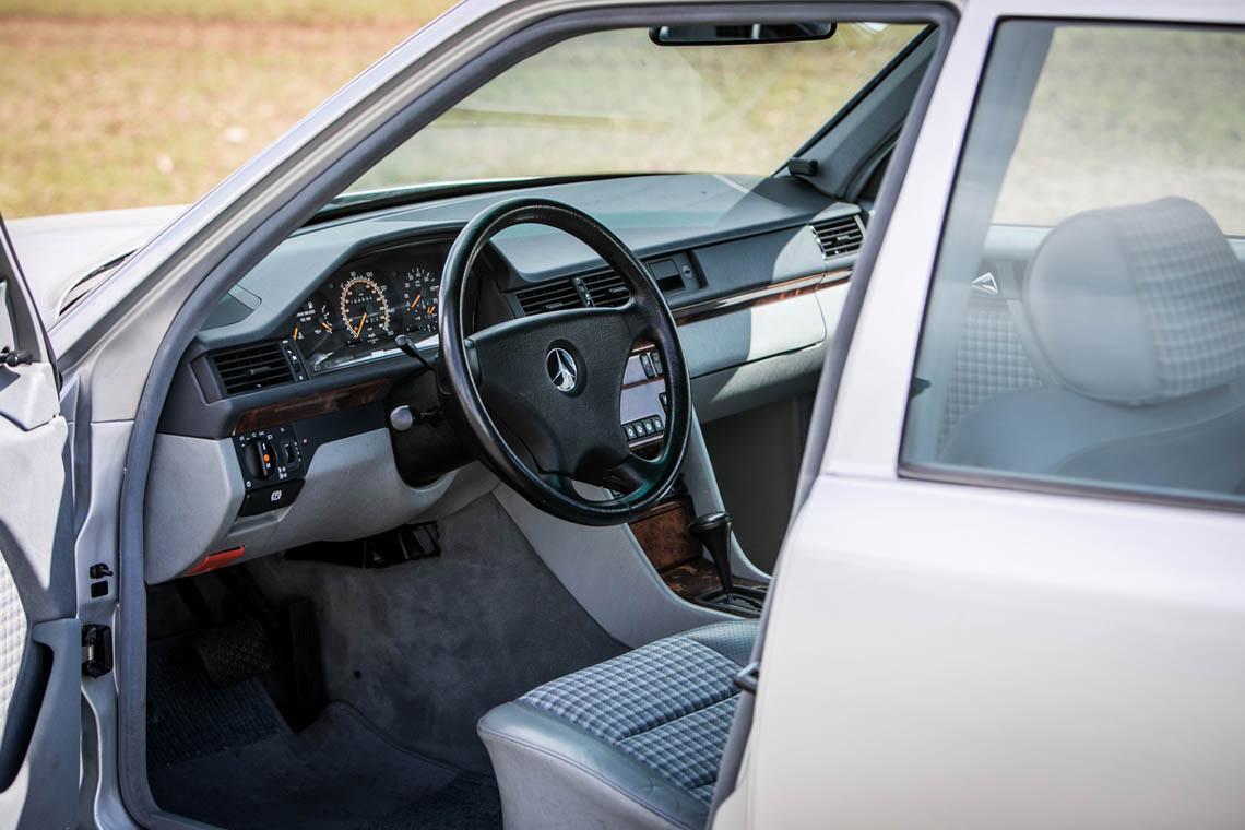 1991 Mercedes-Benz 500 E interior