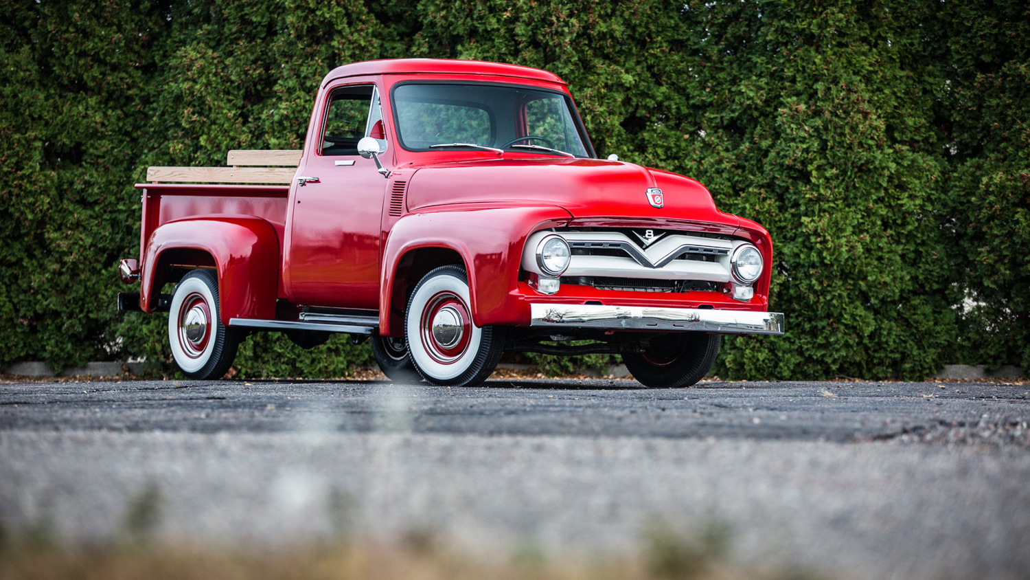 1955 Ford F100 3/4 front low passenger