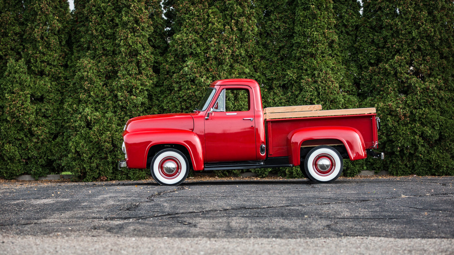 1955 Ford F100 side