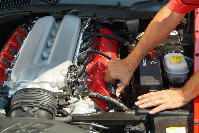 2004 Dodge Viper hood up repari