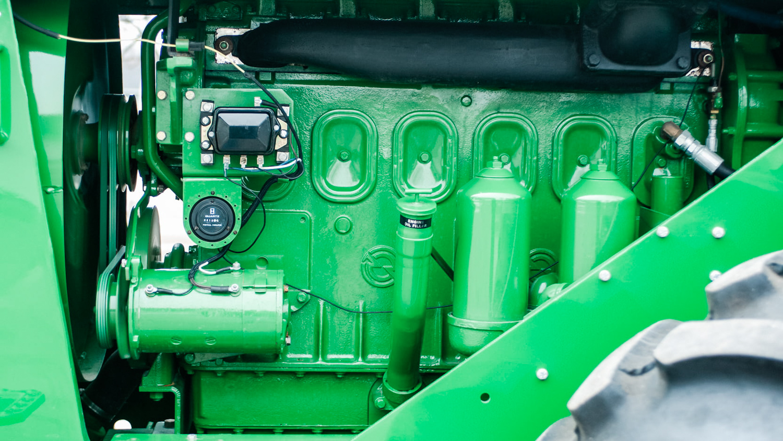1961 John Deere 8020 engine