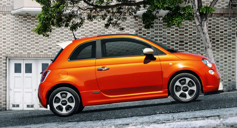 2018 Fiat 500e side profile
