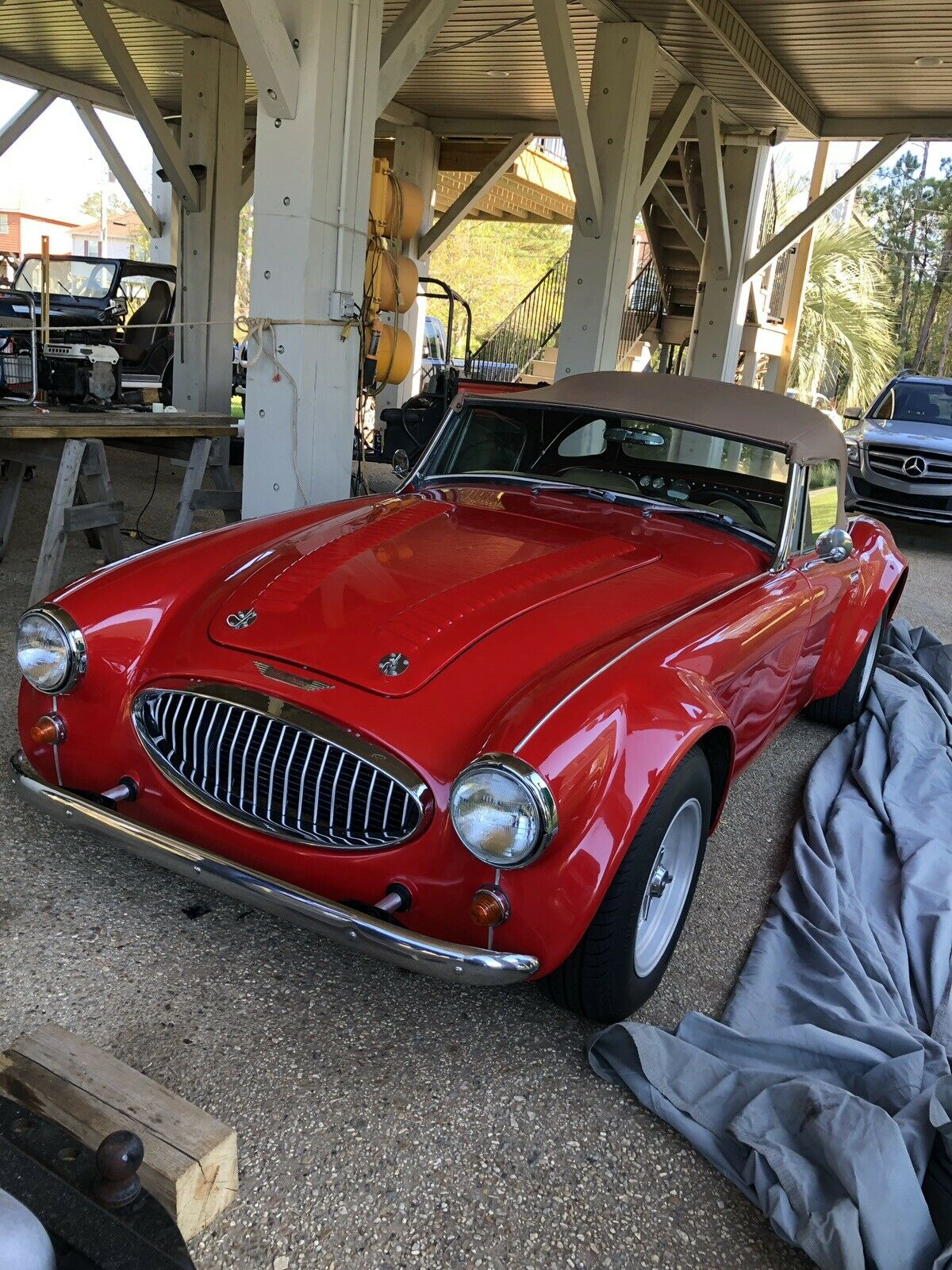 1962 Austin Healey 3000 front