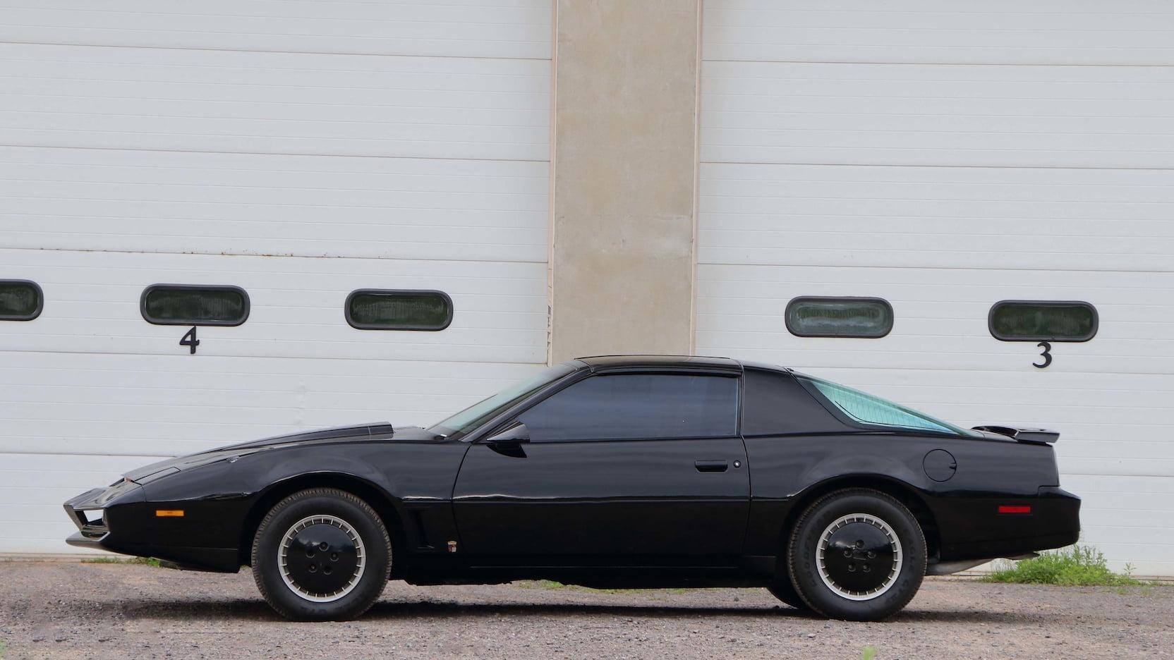 """1982 Pontiac Firebird Trans AM """"KITT"""" profile"""