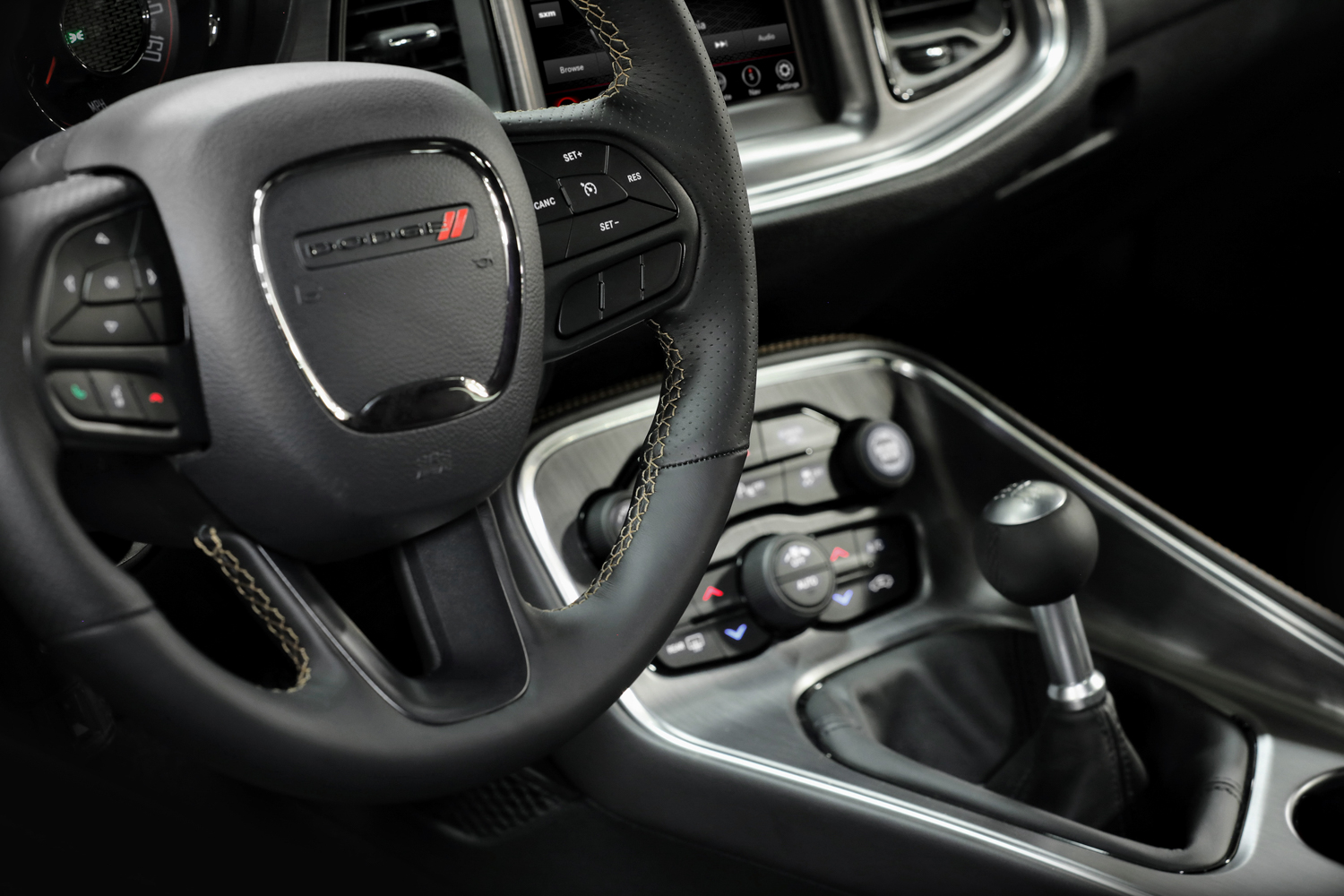 Stars & Stripes Edition challenger interior shifter