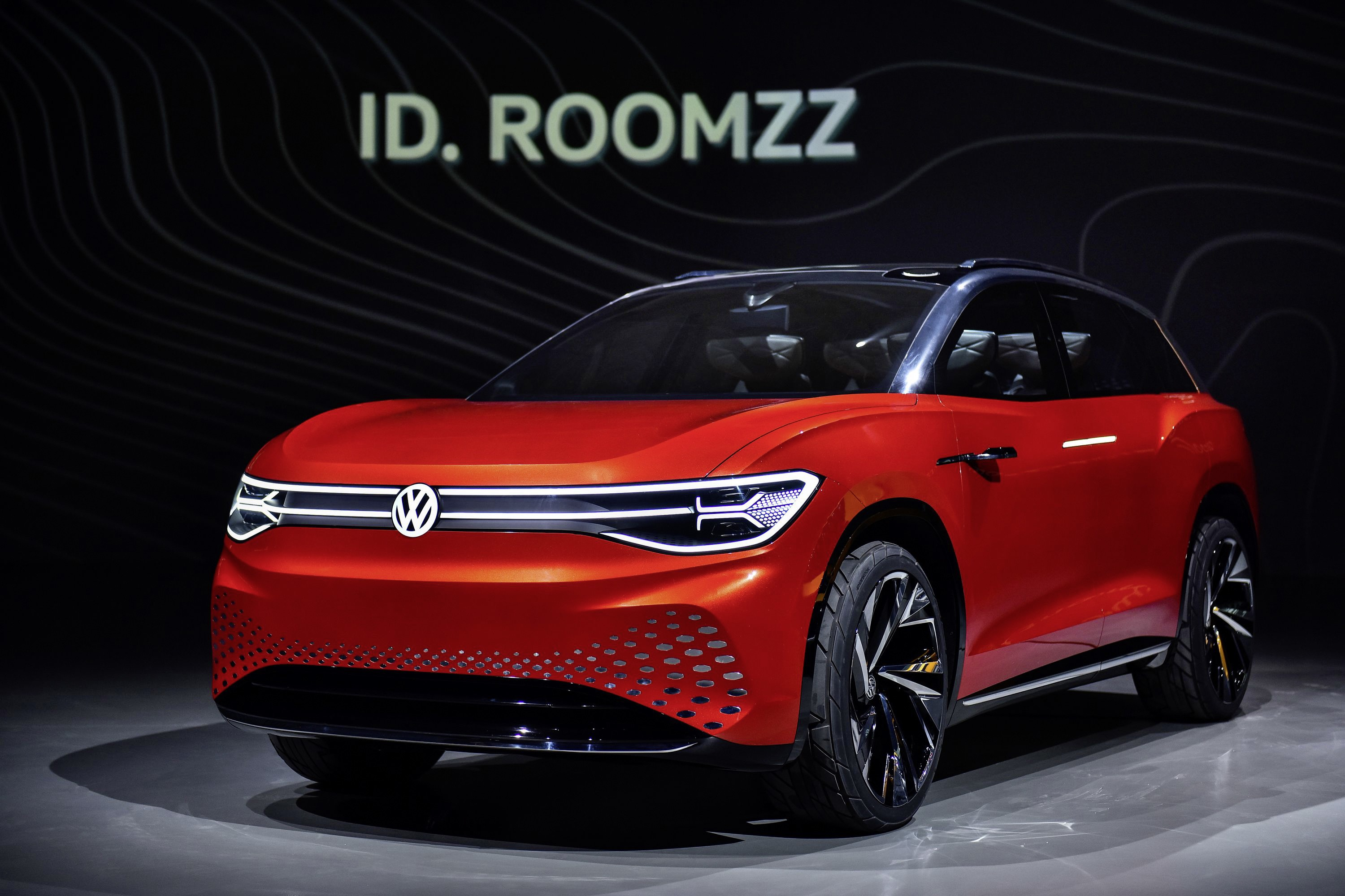 VW's ID Roomzz concept is almost a living room on wheels thumbnail