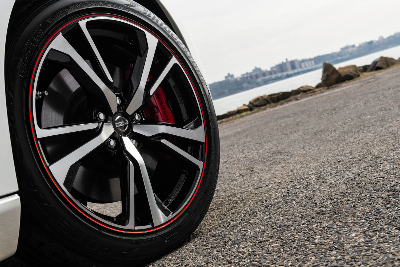 2020 Nissan 370Z 50th Anniversary wheel detail