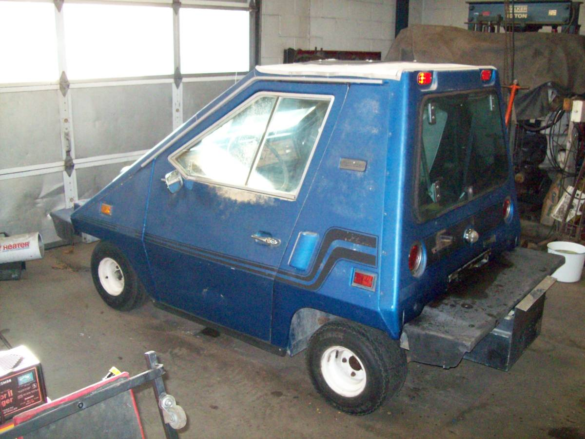 Own a piece of electric car history with this bizarre-looking wedge thumbnail