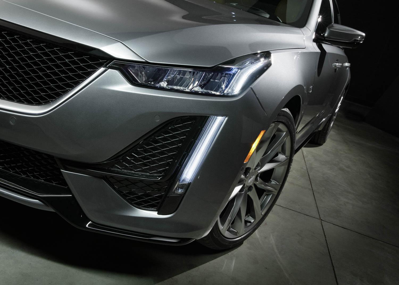 Cadillac CT5 front