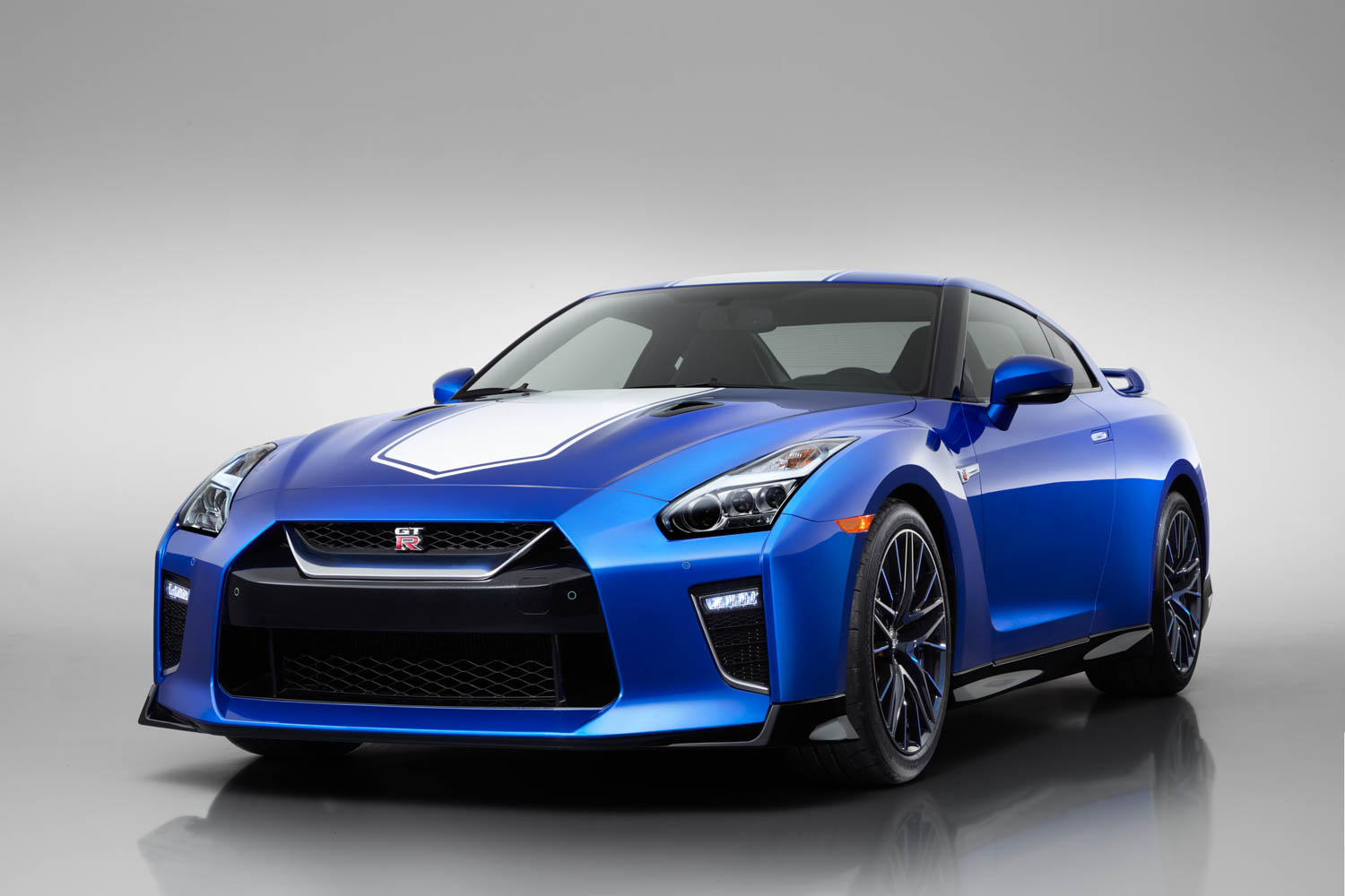 Nissan 50th Anniversary GT-R front 3/4