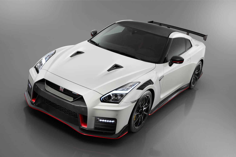 Nissan GT-R NISMO overhead