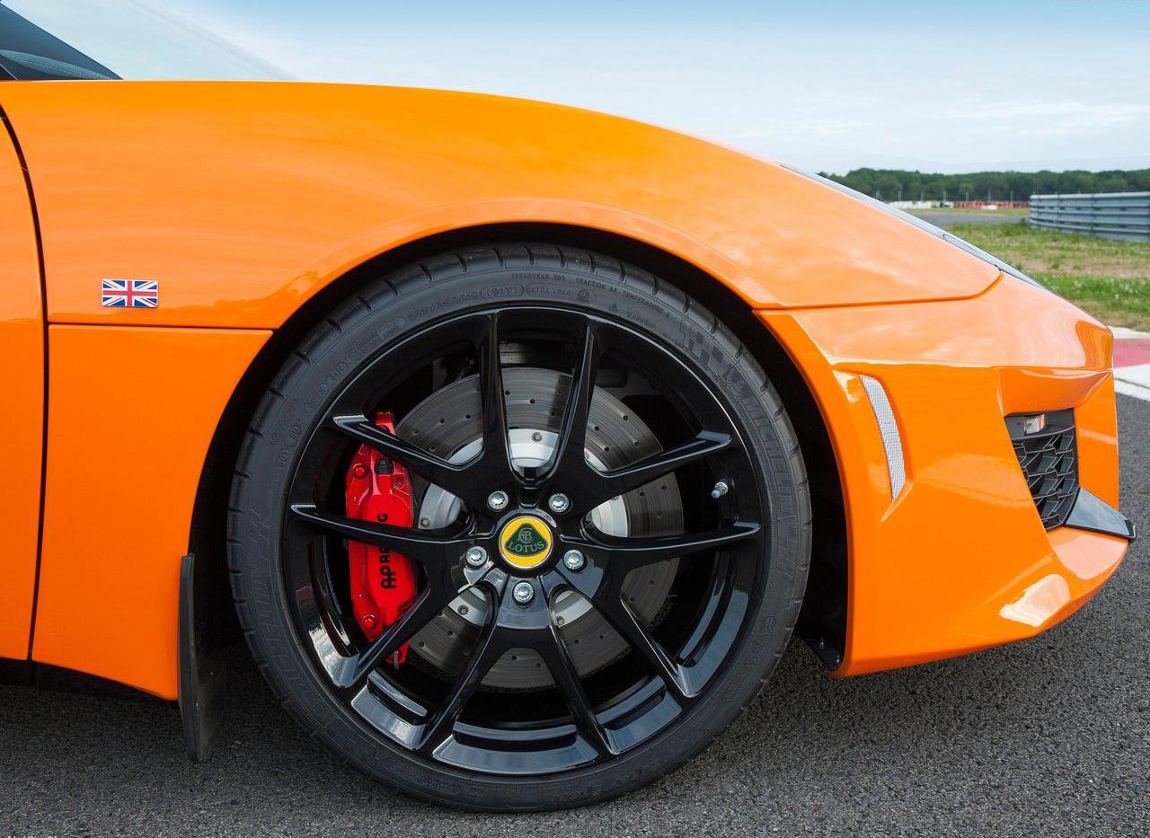 2016 Lotus Evora 400 wheel detail