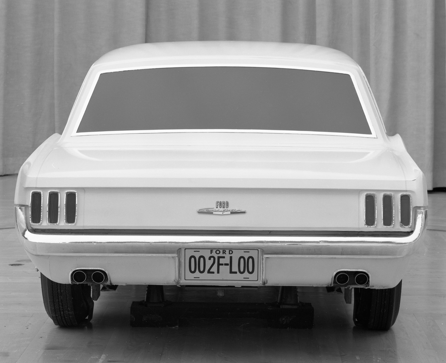 Ford Mustang cougar concept model rear