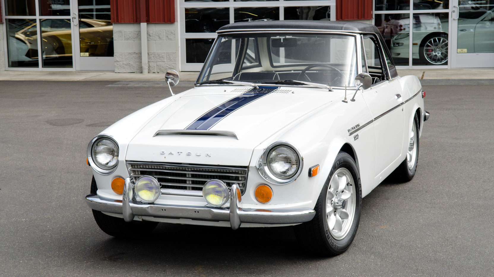 Datsun's classic 1963-70 Roadster is still keeping up with the Brits thumbnail