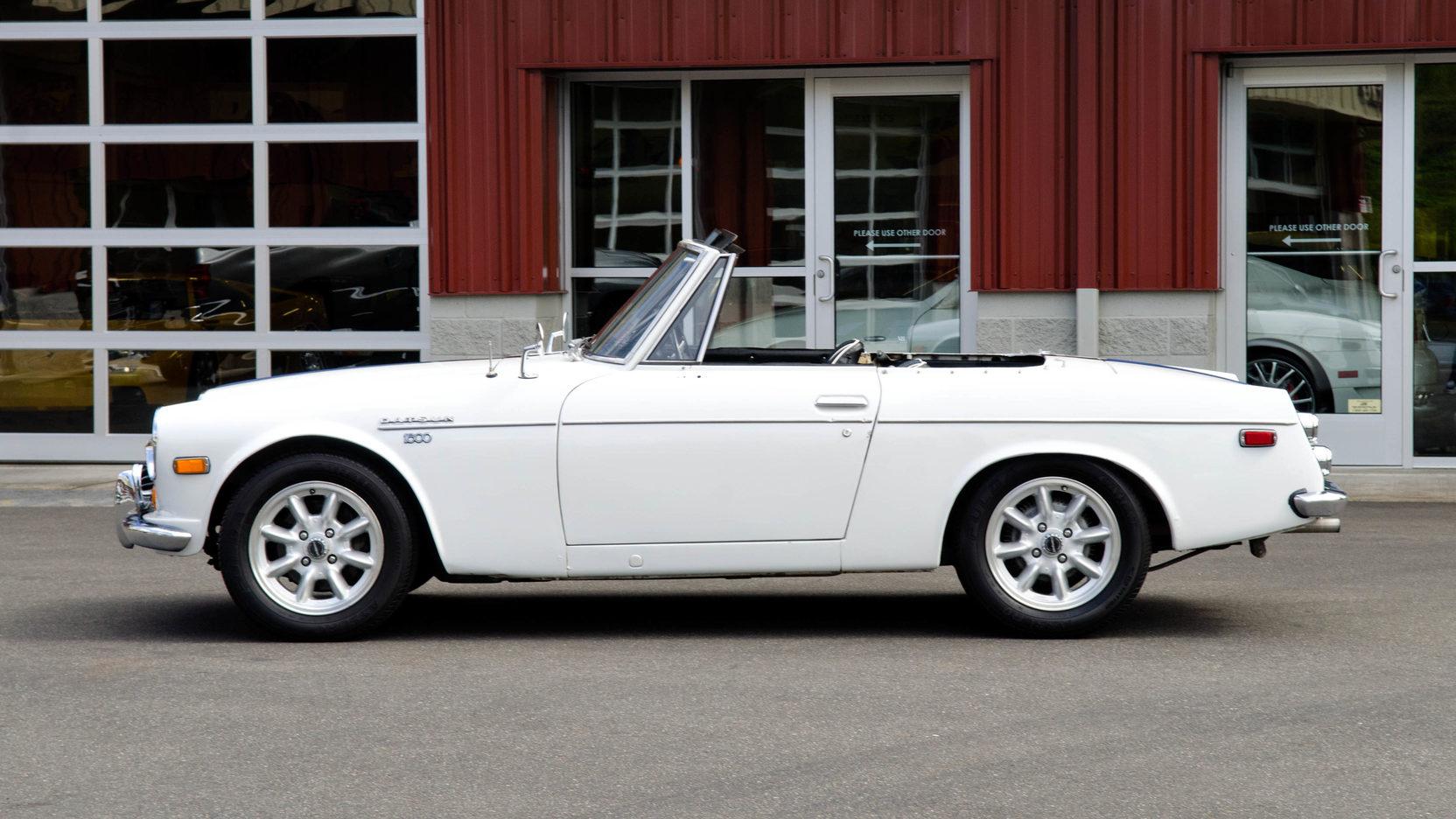 1970 Datsun 1600 profile