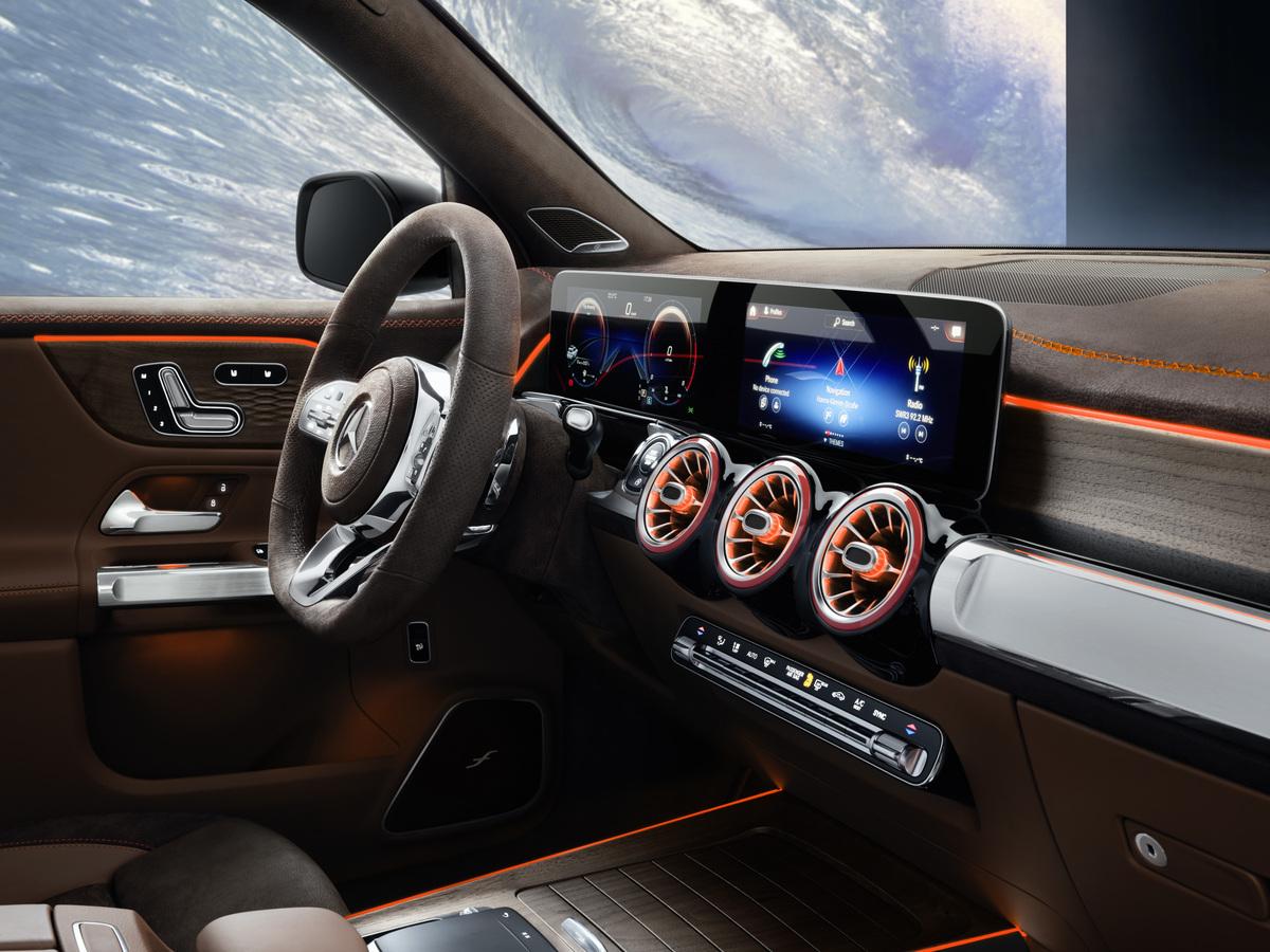 Mercedes-Benz GLB Concept interior dash layout