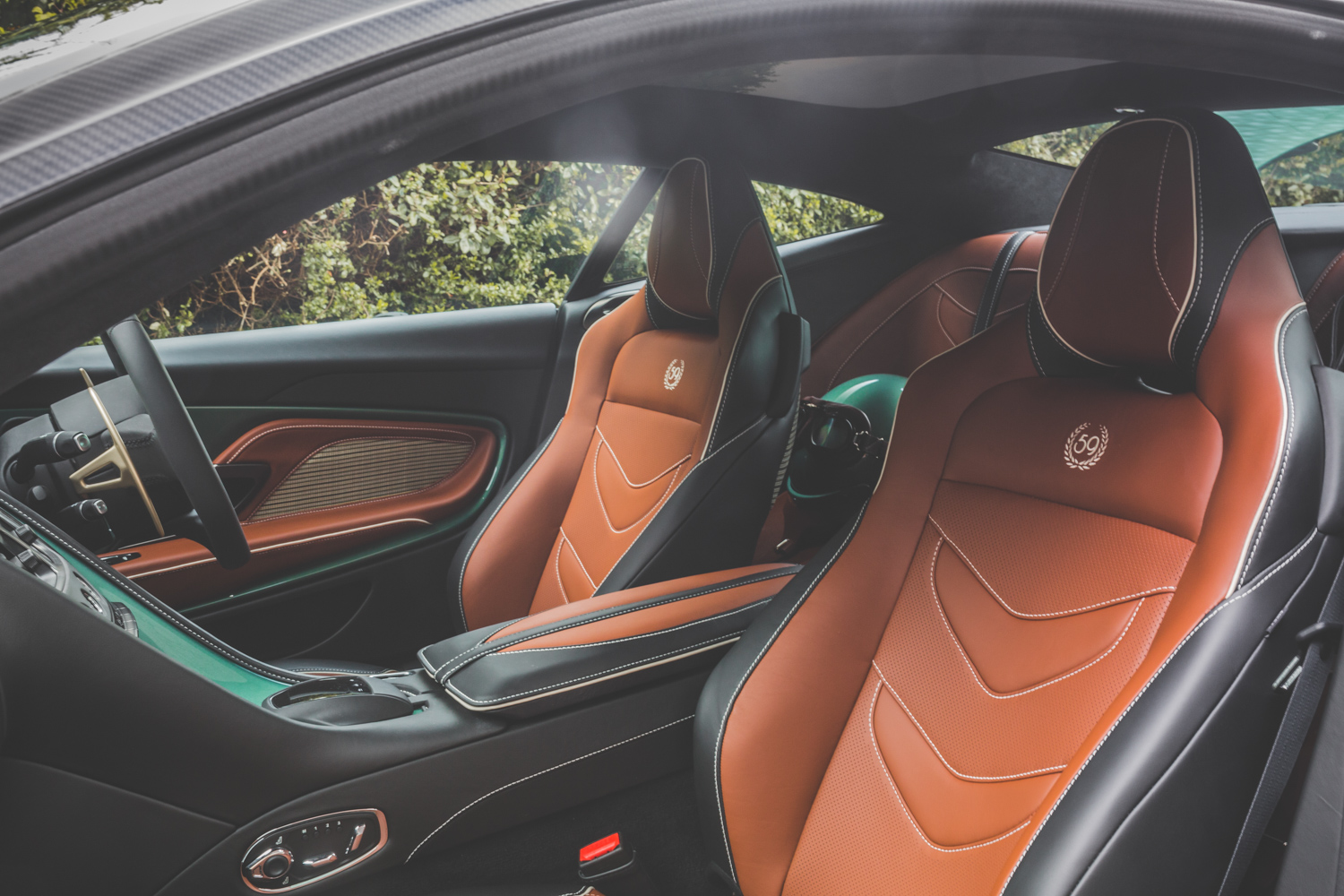 Aston Martin DBS 59 interior seats