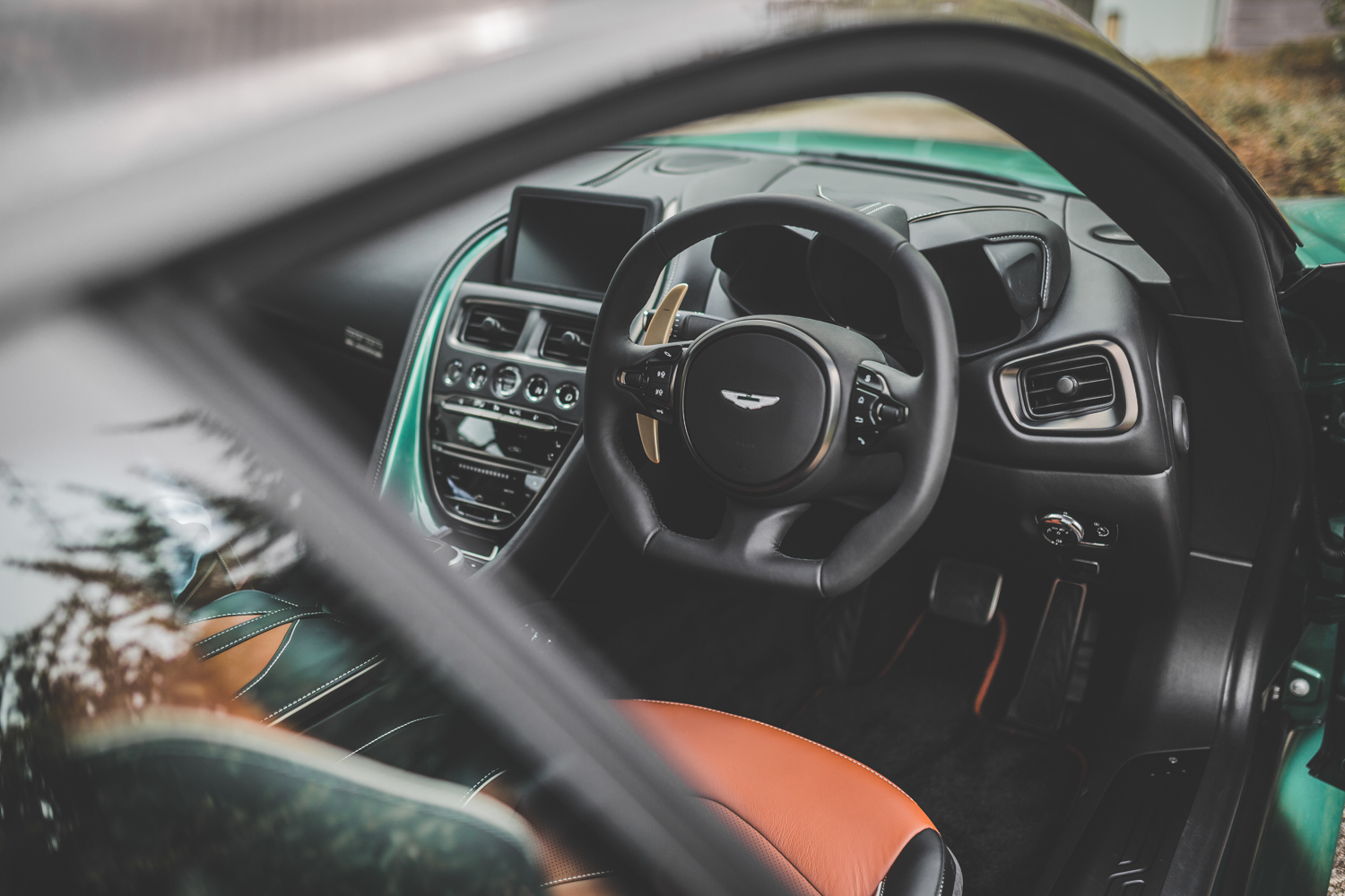 Aston Martin DBS 59 steering wheel