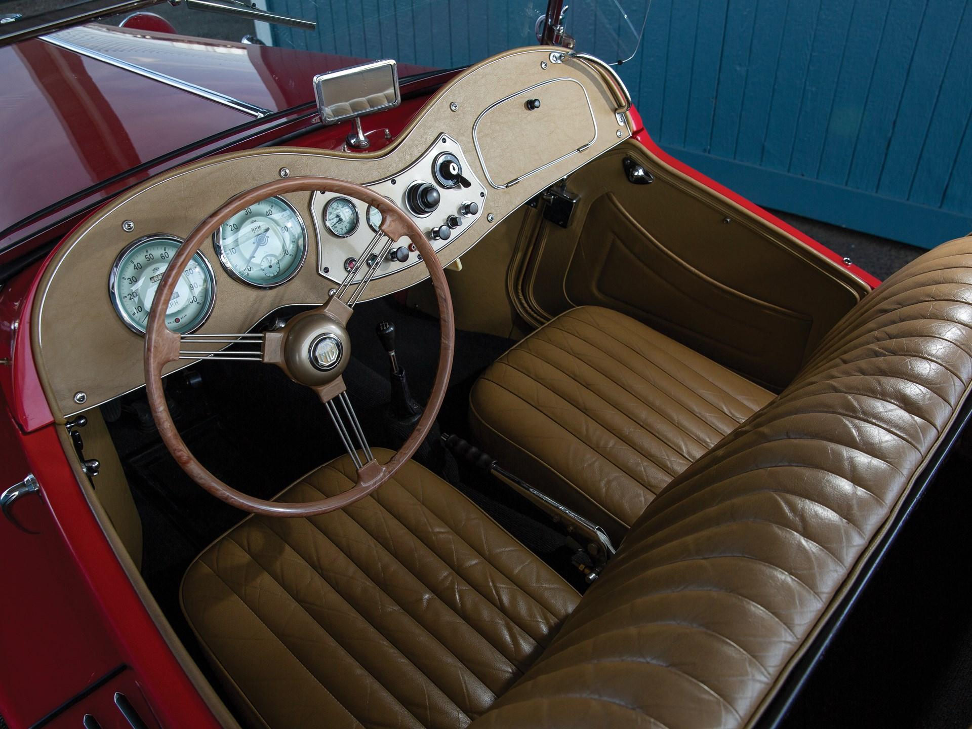 1952 MG TD interior seats