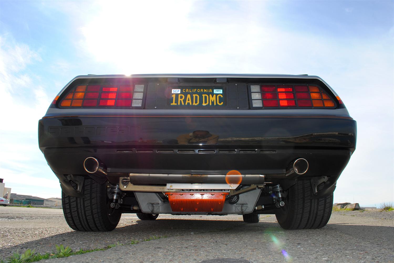 1981 DeLorean DMC-12 rear low detail