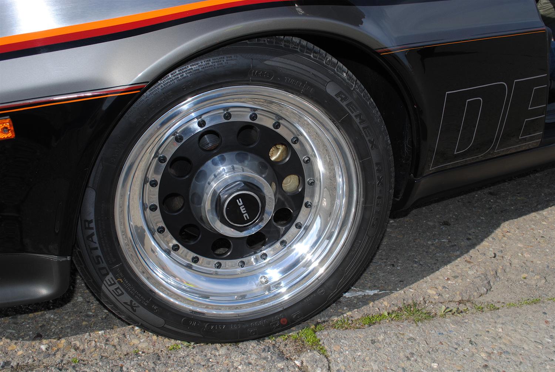 1981 DeLorean DMC-12 wheel detial