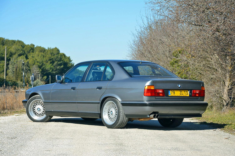 BMW M5 (E34) 3/4 rear