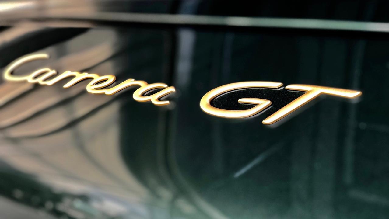 Porsche Carrera GT badge