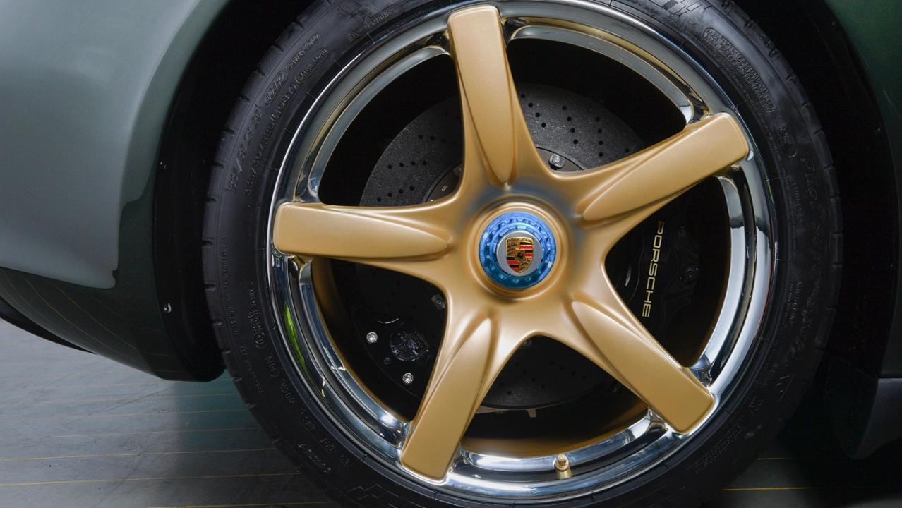 Porsche Carrera GT wheel detail
