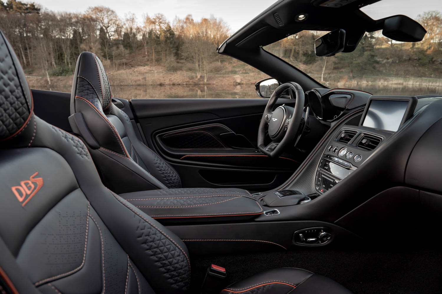 Aston Martin DBS Superleggara Volante interior