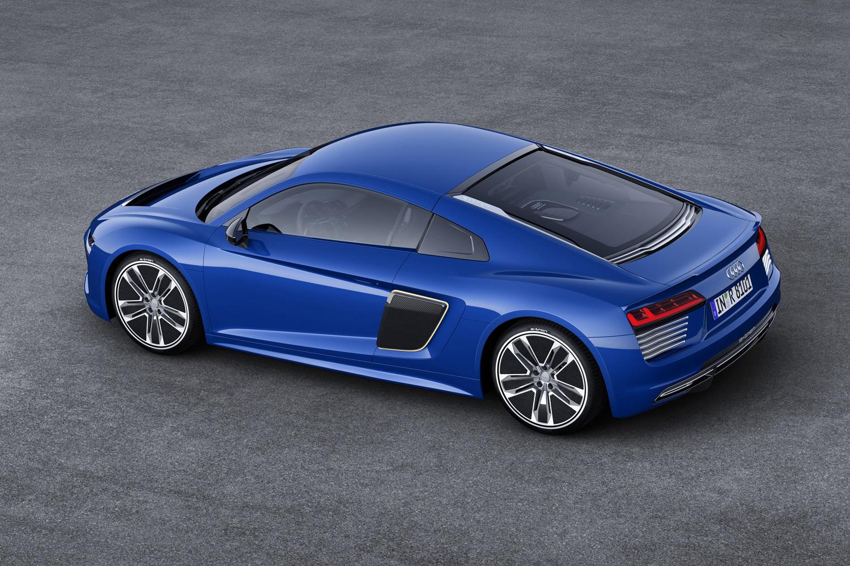 Audi R8 e-tron overhead