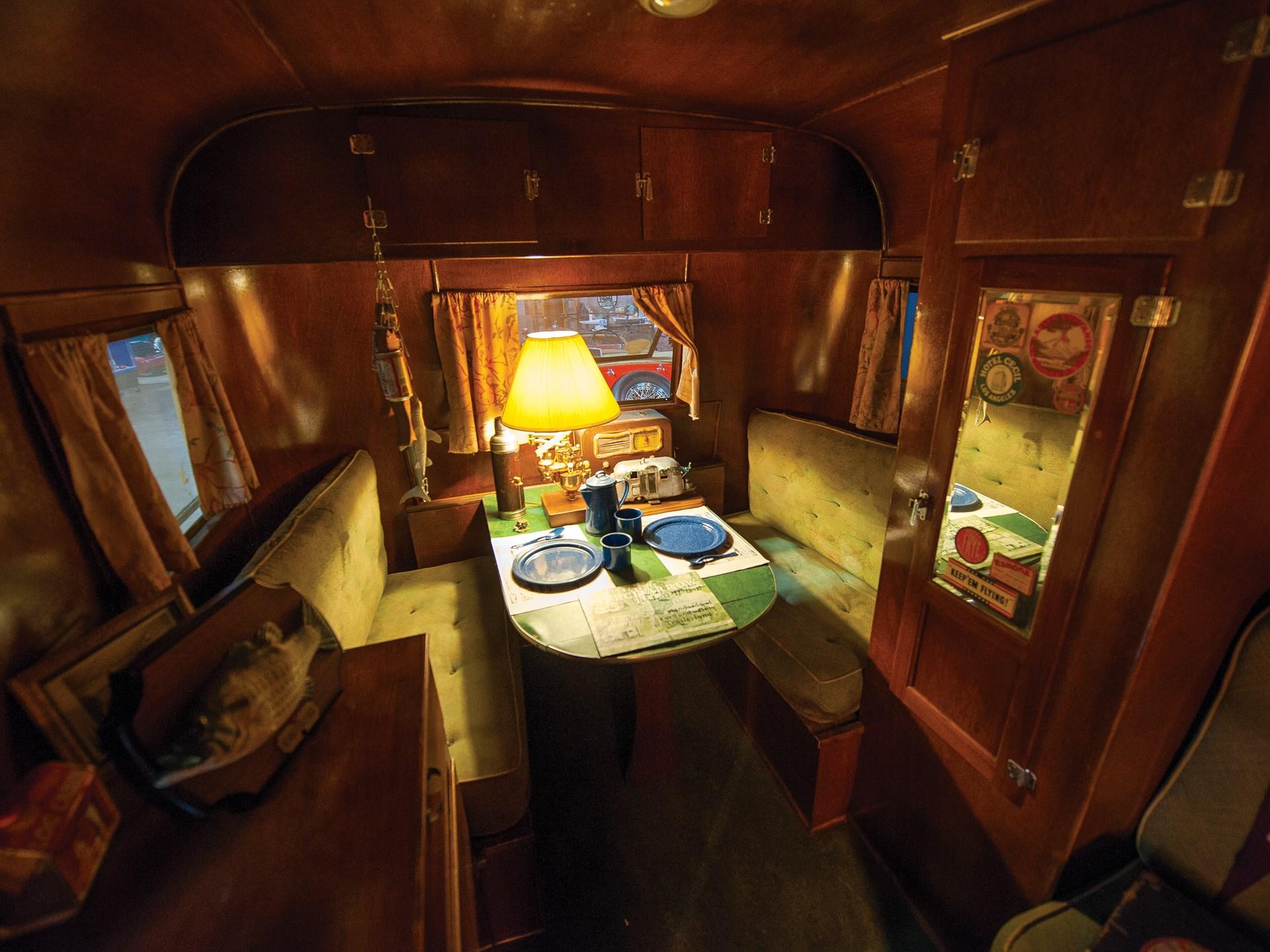 1937 Pierce-Arrow Model C Travelodge kitchen table