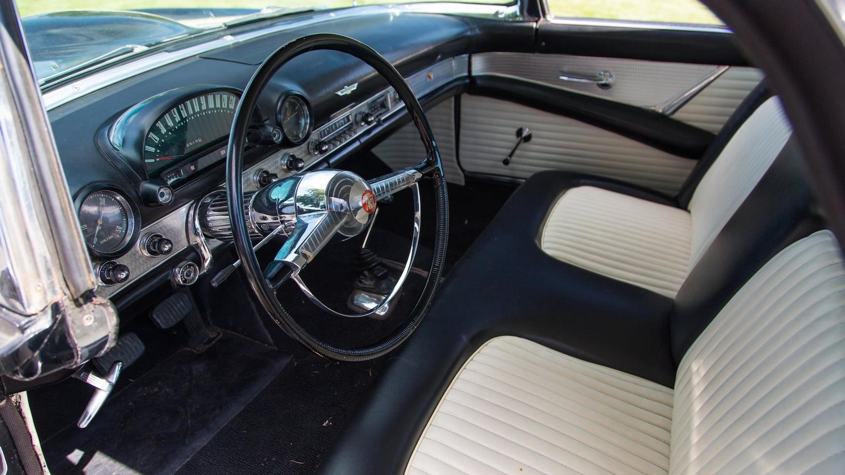 1955 Ford Thunderbird interior