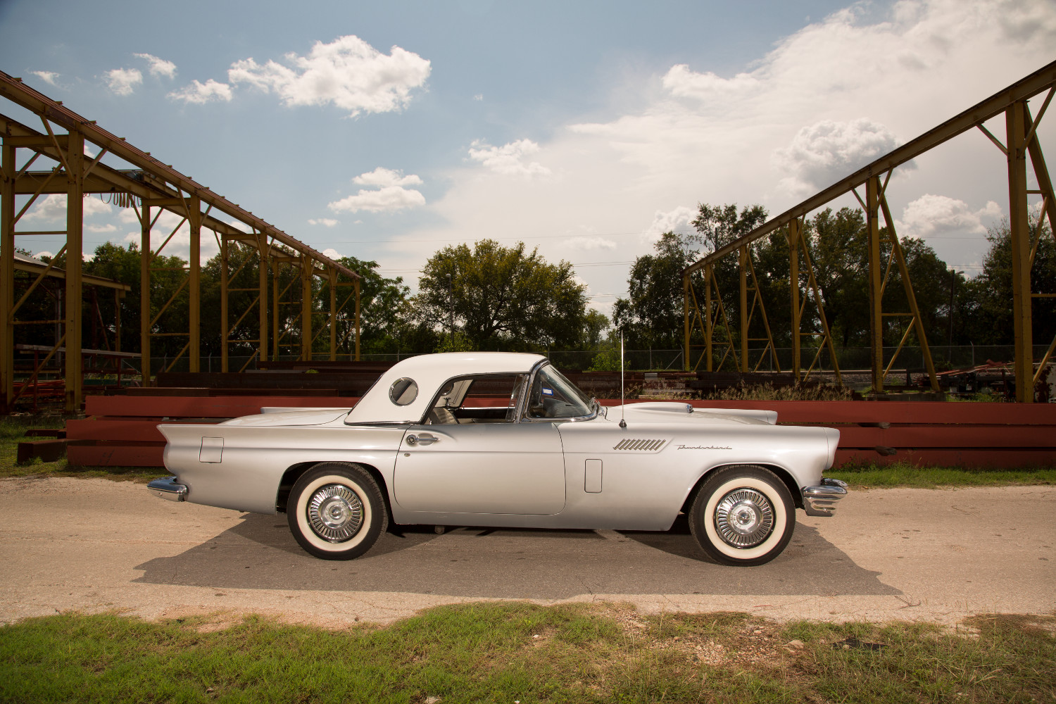 1957 Ford Thunderbird side profile