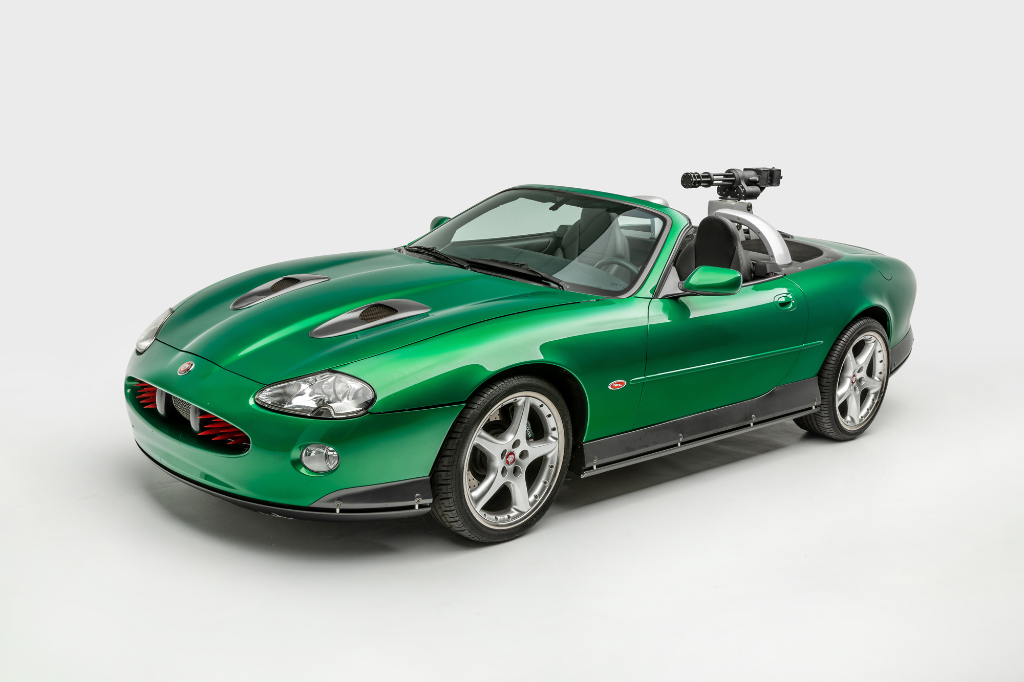 Zao's Jaguar XKR Die Another Day