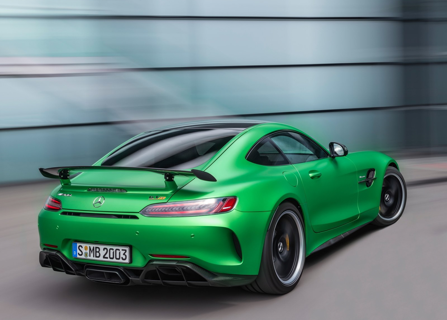 2020 Mercedes-Benz AMG GT R 3/4 rear driving