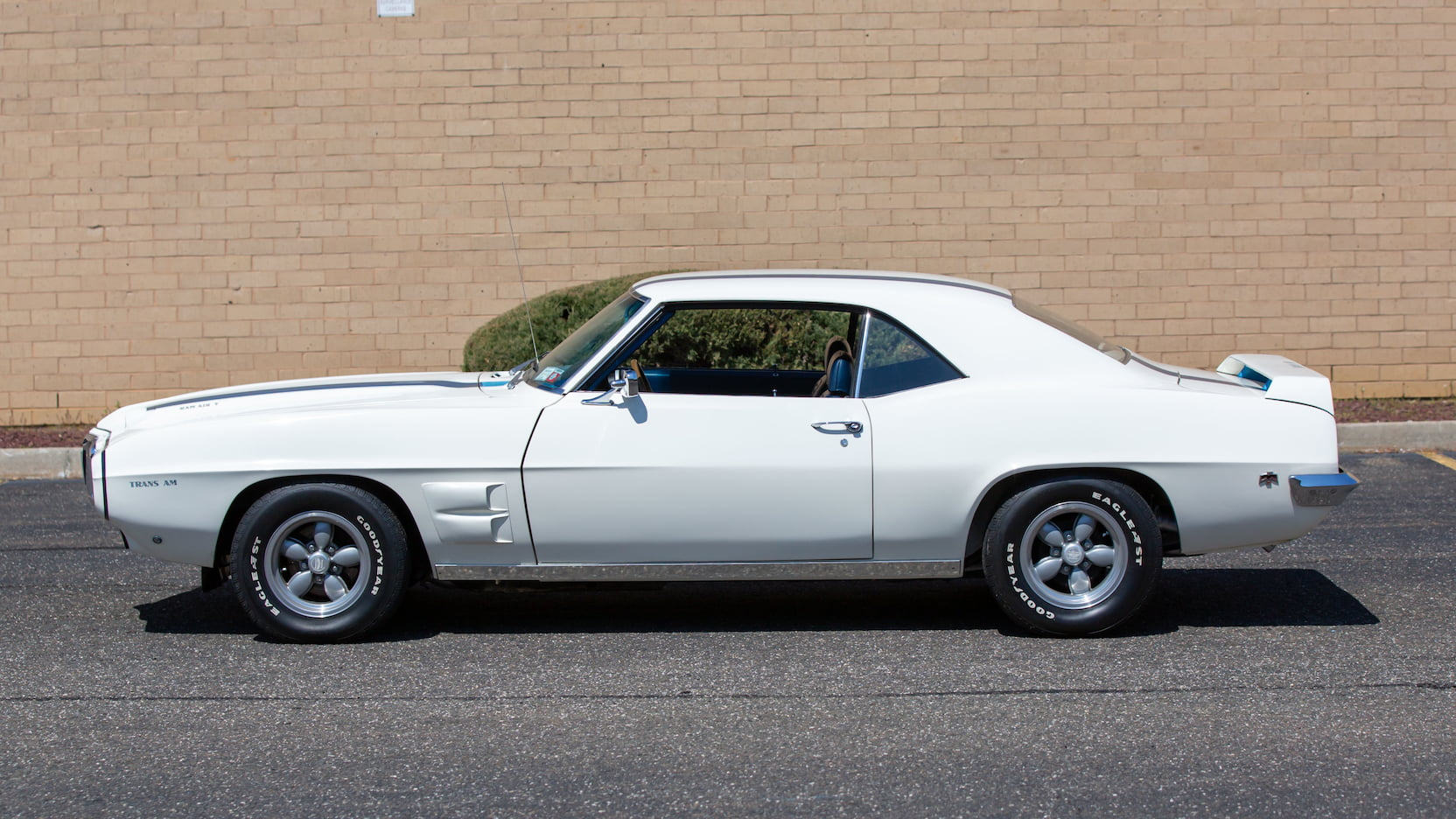 1969 Pontiac Trans Am 303 Ram Air V side profile